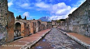 Gli scavi dell'antica città romana e le meraviglie della Penisola Sorrentina.